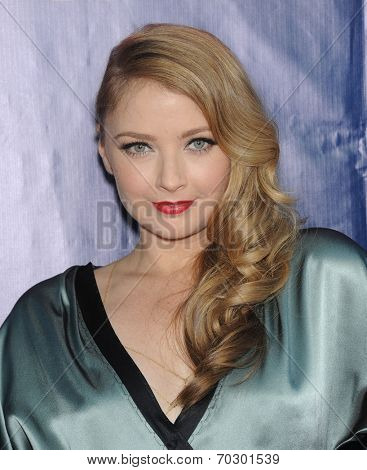 LOS ANGELES - JUL 17:  Elisabeth Harnois arrives to the CBS-CW-Showtime Summer TCA Press Tour 2014  on July7, 2014 in West Hollywood, CA.