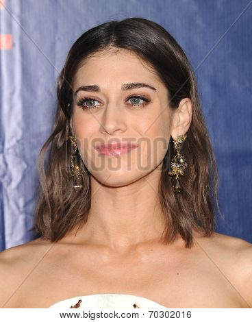 LOS ANGELES - JUL 17:  Lizzy Caplan arrives to the CBS-CW-Showtime Summer TCA Press Tour 2014  on July7, 2014 in West Hollywood, CA.