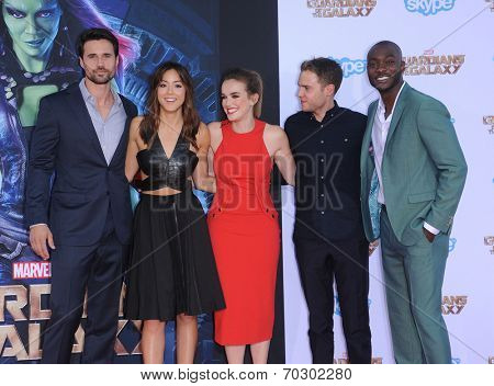 LOS ANGELES - JUL 21:  Brett Dalton, Chloe Bennet, Elizabeth Henstridge, Iain De Caeste arrives to the