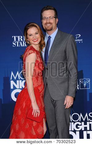 LOS ANGELES - APR 29:  Sarah Drew & Peter Lanfer arrives to the