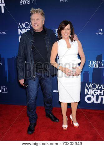 LOS ANGELES - APR 29:  Patricia Heaton & David Hunt  arrives to the