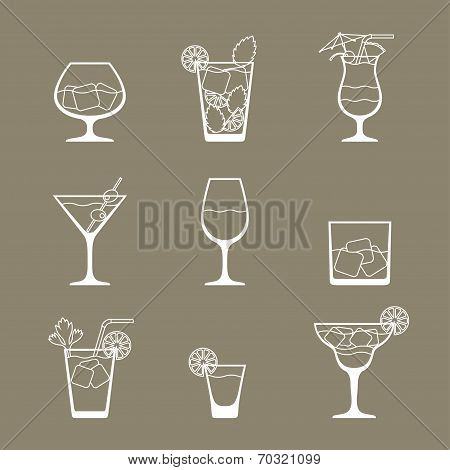 Alcohol drinks and cocktails icon set in flat design style.