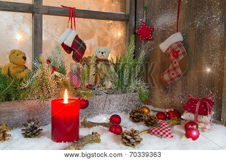 Rustic Lantern With Candlelights For Christmas - Classic In Red And White