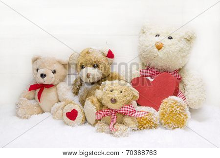 Teddy Bear Family - Mother With Children And Red Heart Of Wood For Christmas Decoration