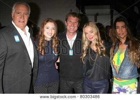 LOS ANGELES - JAN 14:  John McCook, Ashlyn Pearce, Winsor Harmon, Jennifer Gareis, Jacqueline MacInnes Wood as the  B & B 7000th Show at a CBS Television City on January 14, 2015 in Los Angeles, CA