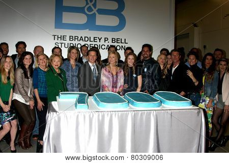LOS ANGELES - JAN 14:  Bold and Beautiful Cast and Producers as the  Bold and Beautiful Celebrates 7000th Show at a CBS Television City on January 14, 2015 in Los Angeles, CA