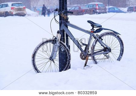 The bike in the snow
