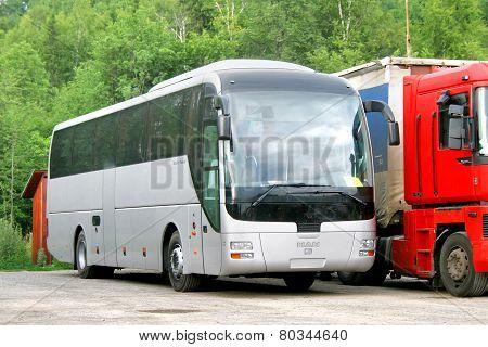 Man R07 Lion's Coach