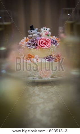 Wedding Cake With Kittens And Flowers