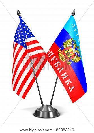 USA and LNR - Miniature Flags.