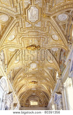 Interior Temple Of Saint Peter. Vatican