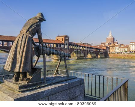 Laundress statue and Covered Bridge, Pavia, Italy