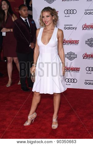 LOS ANGELES - APR 14:  Elsa Pataky arrives to the Marvel's