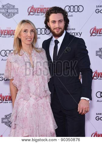 LOS ANGELES - APR 14:  Aaron Taylor-Johnson & Sam Taylor-Johnson arrives to the Marvel's