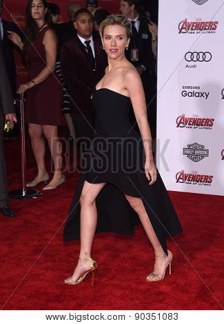 LOS ANGELES - APR 14:  Scarlett Johansson arrives to the Marvel's