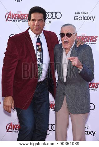 LOS ANGELES - APR 14:  Stan Lee & Lou Ferrigno arrives to the Marvel's