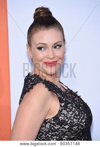 LOS ANGELES - MAR 25:  Alyssa Milano arrives to the
