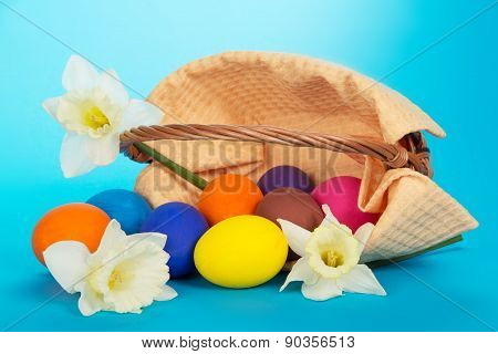 Eggs and white flowers