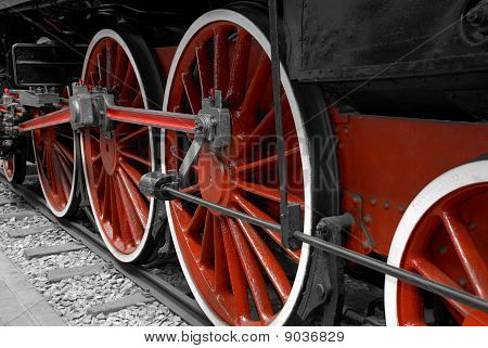 Driving wheels of a locomotive