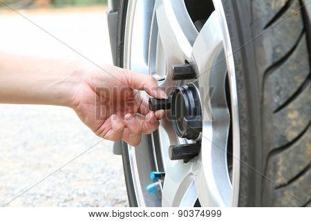 change the wheel
