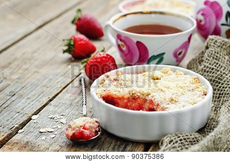 Crumble With Strawberries And Cereal