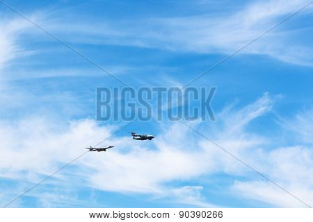 Air Refueling Of Strategic Bomber Aircraft