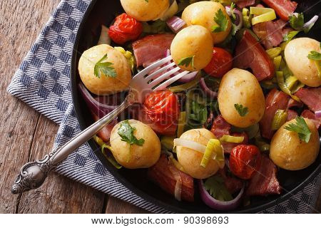 New Potatoes With Onions And Bacon Horizontal Top View