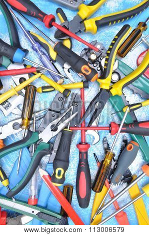 Set of electrical tool for use in electrical installations