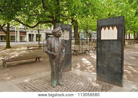 Bronze sculpture by Wilhelm Kaisen, Bremen