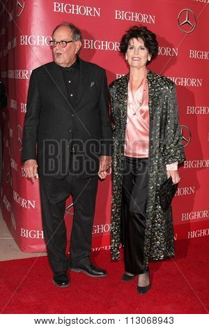 PALM SPRINGS - JAN 2:  Laurence Luckinbill, Lucie Arnez at the 27th Palm Springs International Film Festival Gala at the Convention Center on January 2, 2016 in Palm Springs, CA