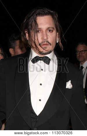 PALM SPRINGS - JAN 2:  Johnny Depp at the 27th Palm Springs International Film Festival Gala at the Convention Center on January 2, 2016 in Palm Springs, CA