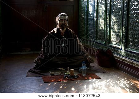 Bagan, Myanmar - Feb 19, 2011 : Unidentified Buddhism Neophyte Prays In Buddihist Temple On Feb 19,