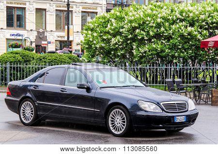 Mercedes-benz W220 S-class