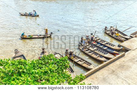 Guest wharf on floating market