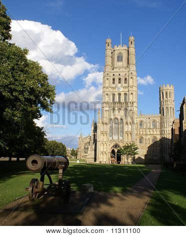 Front view of Ely Cathedral