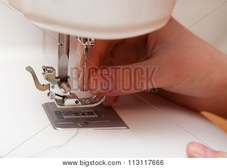 Threading A Thread In A Sewing Machine