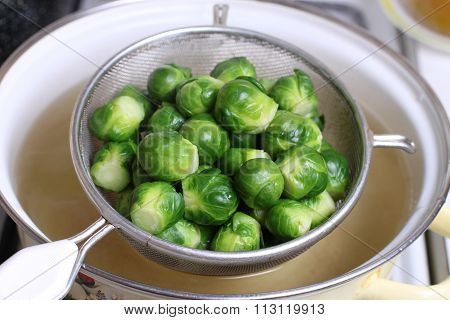 Brussels sprout in the colander