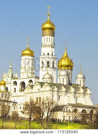 MOSCOW - APRIL 20, 2014: Archangel cathedral and Ivan the Great belltower inside Kremlin fortress in Moscow.