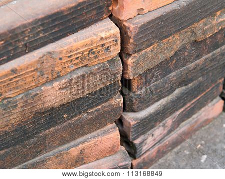 Brick Wall , The Bricks Are Arranged In Layers