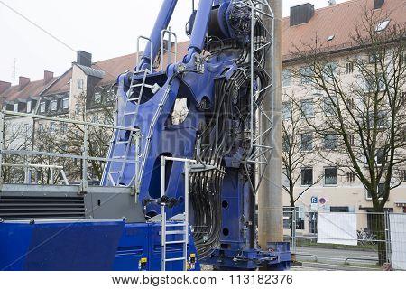 Hydraulics on a crane