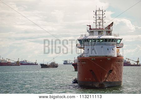LABUAN FT, MALAYSIA - DEC 26, 2015 : The Supply Vessels At Labuan Sunrise.