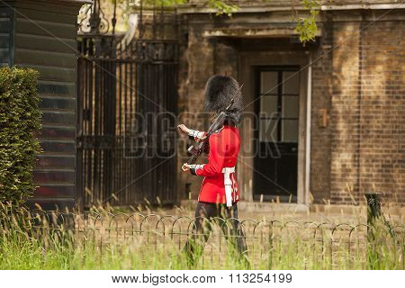 Queens Guards London