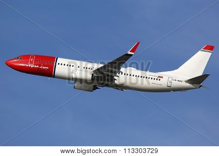 Norwegian Air Shuttle Boeing 737-800 Airplane