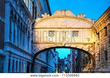 Bridge Of Sig0Hs In Venice, Italy
