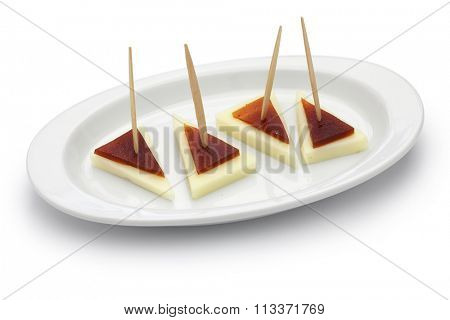 spanish tapas pinchos, machego cheese and membrillo