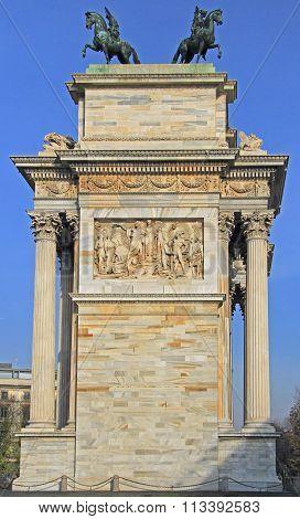 Arco della Pace on piazze Sempione