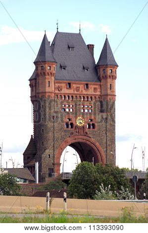 Nibelungenturm bei Worms