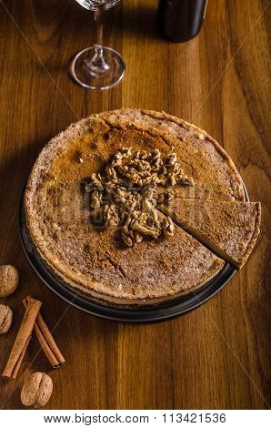 Walnut Cheesecake With Cinnamon