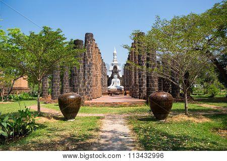 Buddha Between Columns