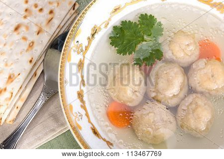 Chicken Soup With Kneidlach (matzah Bolls)